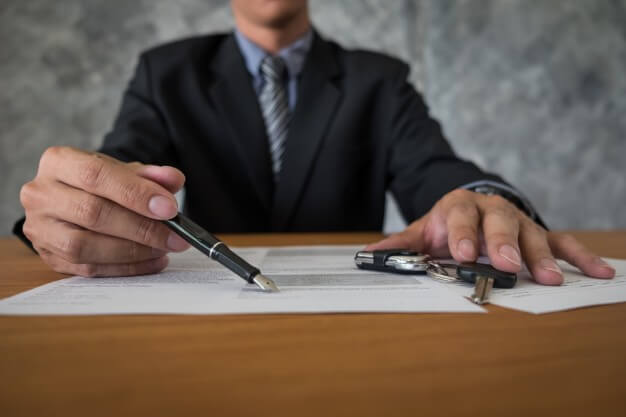 comprar ou alugar carro contrato