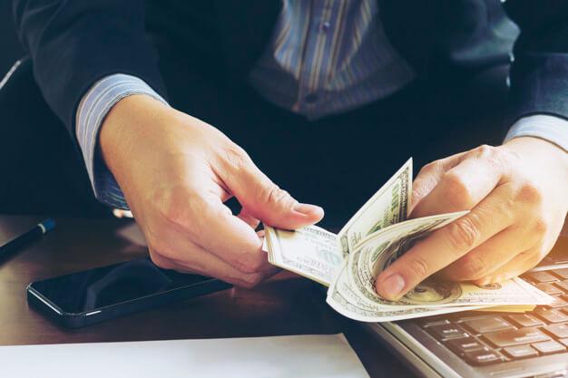 previdencia privada contando dinheiro